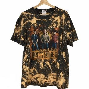 Rascal Flatts UpCycle Bleached Graphic Band Tee L